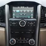 mahindra-xuv500-automatic-infotainment-system