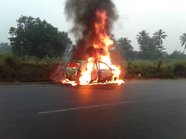 maruti-celerio-diesel-catch-fire-surat-highway-owner-dead