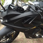 mumbai-dealership-matte-black-bajaj-pulsar-rs200-007