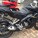 mumbai-dealership-matte-black-bajaj-pulsar-rs200-009