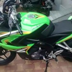 mumbai-dealership-monster-green-bajaj-pulsar-rs200-004