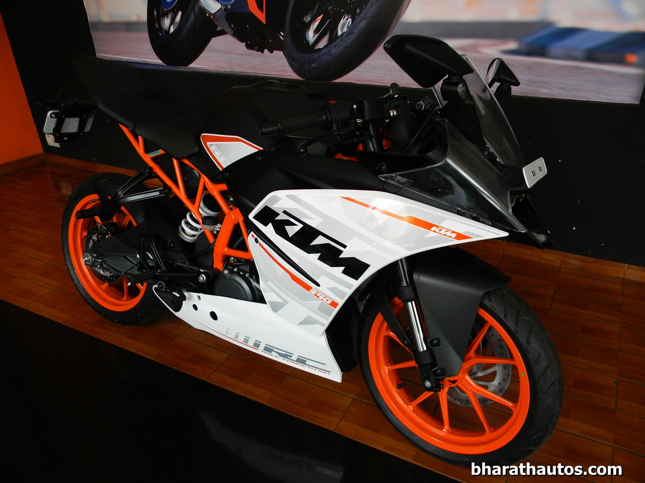 Next Gen 2016 Ktm Duke 390 And Rc 390 To Get Ride By Wire Technology