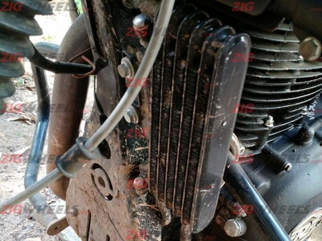 royal-enfield-himalayan-production-model-engine