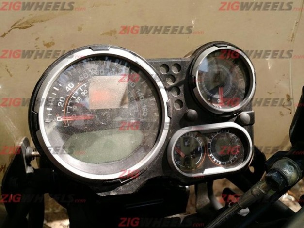royal-enfield-himalayan-production-model-instrument-cluster