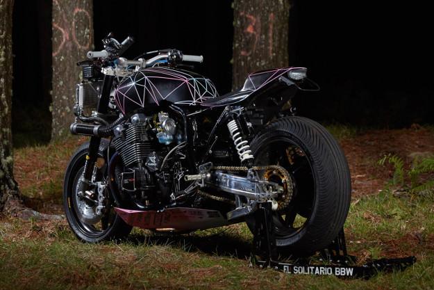 yamaha-xjr1300-el-solitario-customize-machine-rear