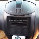 mahindra-imperio-pick-up-center-console