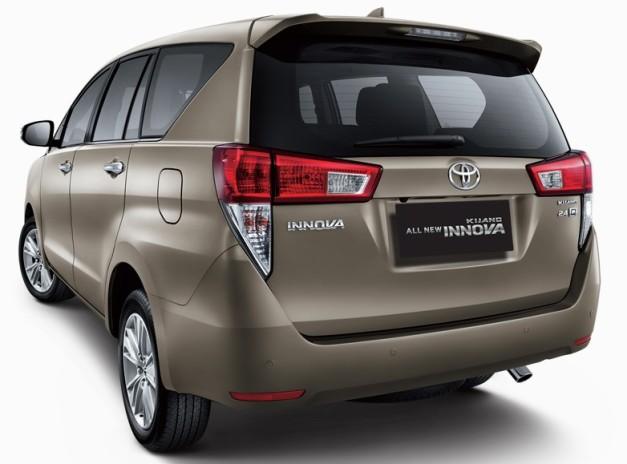 new-2016-toyota-innova-rear-india