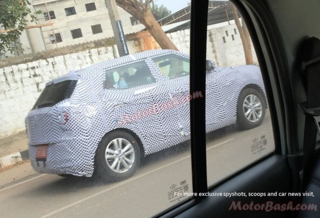 ssangyong-tivoli-india-spied-rear