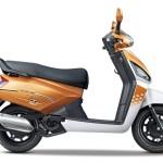 2016-mahindra-gusto-125-orange-rush