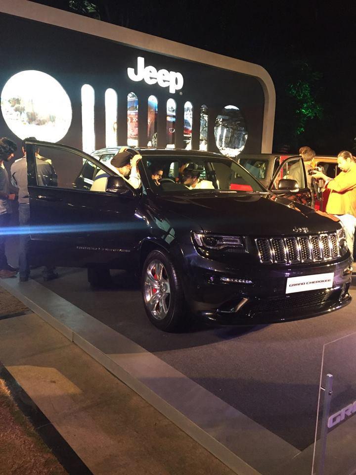 jeep-grand-cherokee-srt-exterior-outside-showcased-bangalore-india