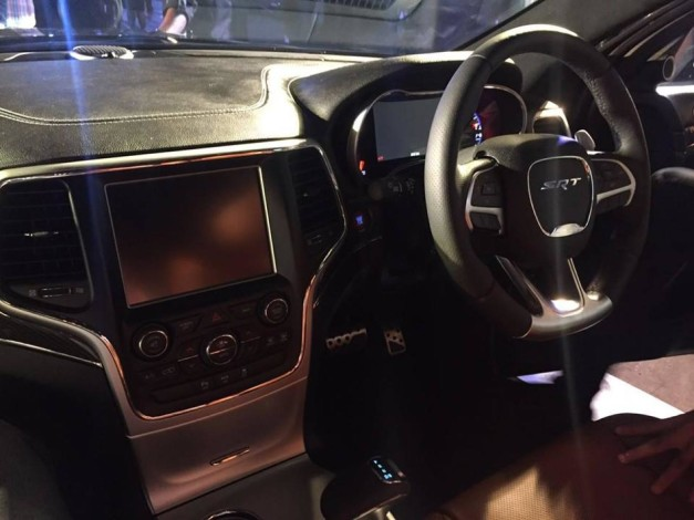 jeep-grand-cherokee-srt-interior-inside-showcased-bangalore-india