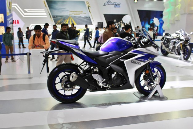 2015-yamaha-r3-2016-auto-expo-india-pictures-photos-images-snaps