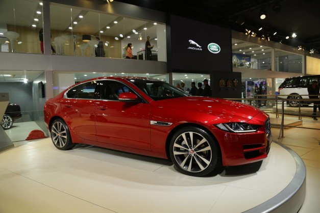 2016-auto-expo-jaguar-xe-launched