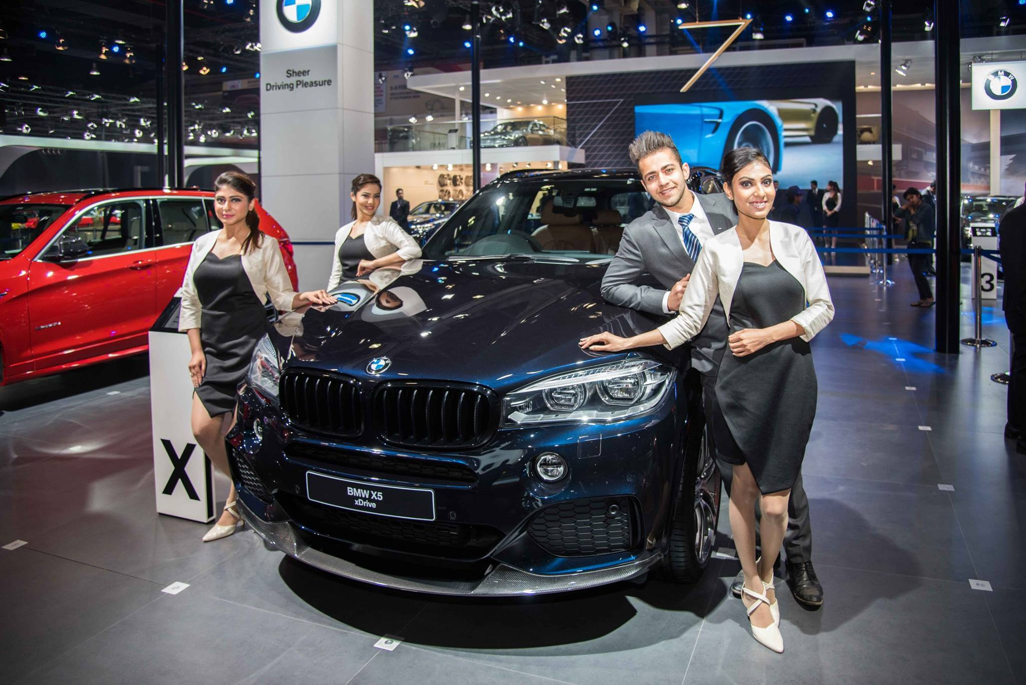 Bmw India Launched X5 Xdrive30d M Sport At 2016 Auto Expo