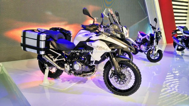 dsk-benelli-trk-502-2016-auto-expo-india-pictures-photos-images-snaps