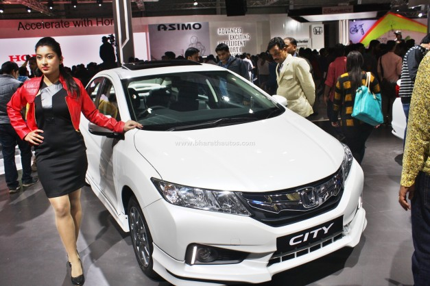 honda-city-black-interior-sports-kit-accessories-2016-auto-expo-pictures-photos-images-snaps-exterior-outside