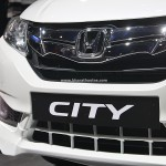 honda-city-black-interior-sports-kit-accessories-pictures-photos-images-snaps-2016-auto-expo-front-diffusor