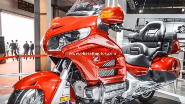 honda-goldwing-new-model-2016-auto-expo-india-pictures-photos-images-snaps