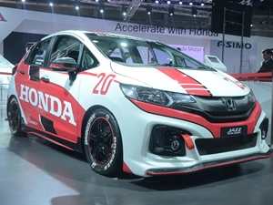 honda-jazz-racing-concept-honda-accord-2016-auto-expo