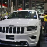 jeep-grand-cherokee-limited-summit-pictures-photos-images-snaps-2016-auto-expo-front-viewjeep-grand-cherokee-limited-summit-pictures-photos-images-snaps-2016-auto-expo-front-view