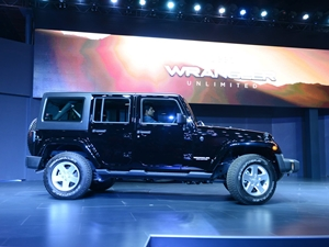jeep-wrangler-unlimited-jeep-grand-cherokee-srt-2016-auto-expo