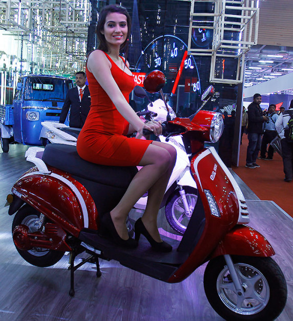 lohia-elite-3000-2016-auto-expo-india-pictures-photos-images-snaps