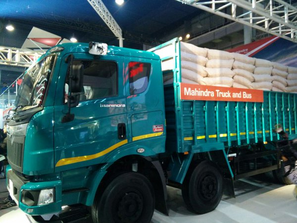 mahindra-blazo-series-mahindra-loadking-optimo-tipper-2016-auto-expo