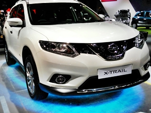 new-nissan-x-trail-hybrid-2016-auto-expo