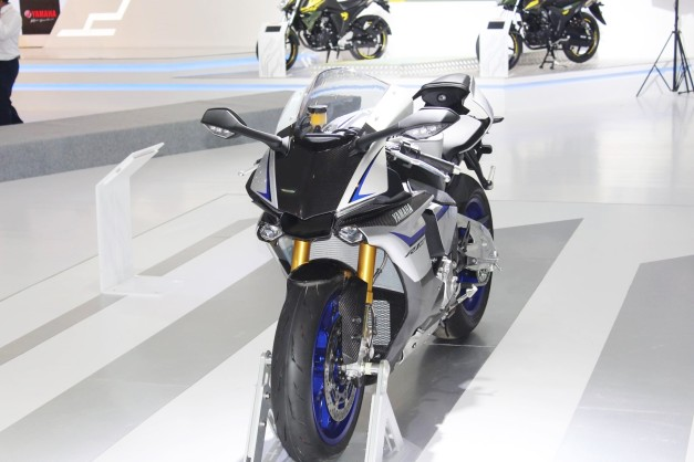 new-yamaha-r1m-2016-auto-expo-india-pictures-photos-images-snaps