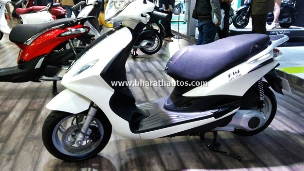 piaggio-fly-125-2016-auto-expo-india-pictures-photos-images-snaps