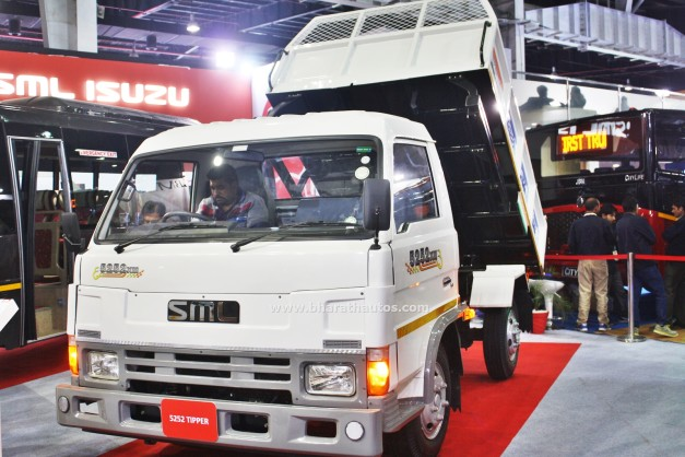 sml-5252-xm-waste-handling-tipper-2016-auto-expo-pictures-photos-images-snaps