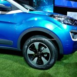tata-nexon-compact-suv-pictures-photos-images-snaps-2016-auto-expo-front-fender