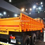 tata-signa-3118.t-india-pictures-photos-images-snaps-2016-auto-expo-rear