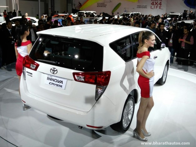 toyota-innova-crysta-2016-auto-expo-pictures-photos-images-snaps-rear