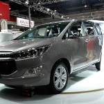 toyota-innova-crysta-pictures-photos-images-snaps-2016-auto-expo-002