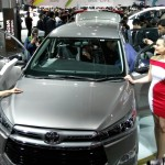 toyota-innova-crysta-pictures-photos-images-snaps-2016-auto-expo-003