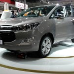 toyota-innova-crysta-pictures-photos-images-snaps-2016-auto-expo-004