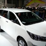 toyota-innova-crysta-pictures-photos-images-snaps-2016-auto-expo-005
