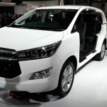 toyota-innova-crysta-pictures-photos-images-snaps-2016-auto-expo-007