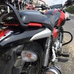 bajaj-v15-motorcycle-pictures-photos-images-snaps-grab-rail