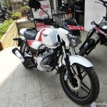 bajaj-v15-the-invincible-body grahics-pictures-photos-images-snaps