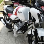 bajaj-v15-the-invincible-musculine-design-pictures-photos-images-snaps