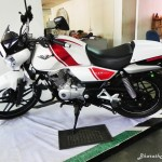 bajaj-v15-the-invincible-side-view-pictures-photos-images-snaps