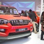 mahindra-scorpio-xuv500-downsized-1-99-litre-engine-pictures-photos-images-snaps-004