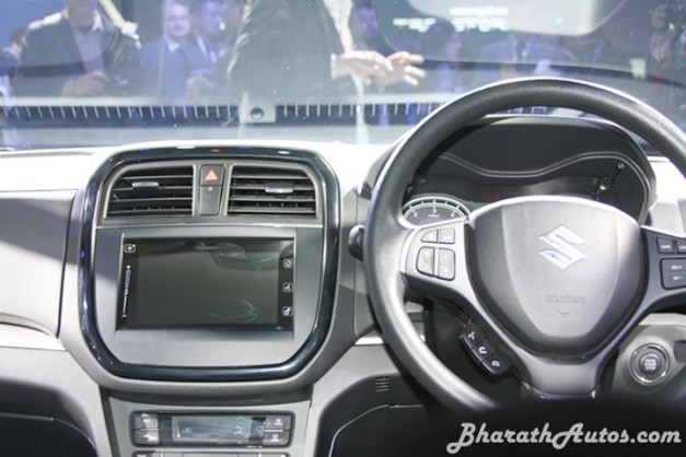 maruti-vitara-brezza-interior-inside-pictures-photos-images-snaps