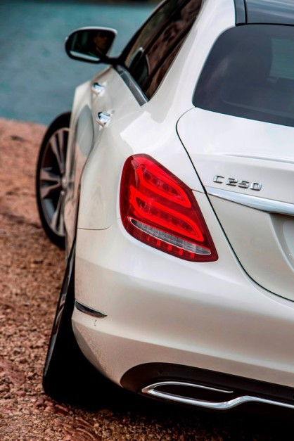 mercedes-benz-c250d-india-rear-pictures-photos-images-snaps
