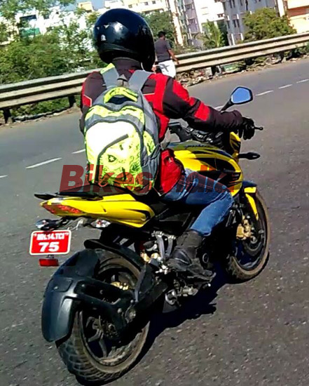 bajaj-pulsar-200ns-abs-spied-testing-pictures-photos-images-snaps-002