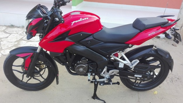 bajaj-pulsar-150ns-video-pictures-photos-images-snaps-013
