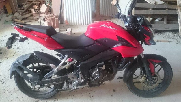 bajaj-pulsar-150ns-video-pictures-photos-images-snaps-014
