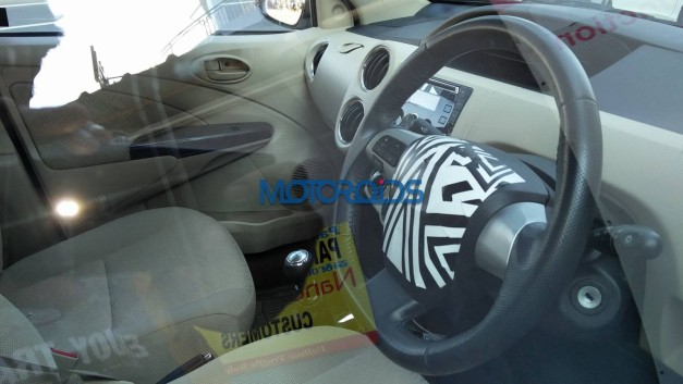 new-2016-toyota-etios-sedan-facelift-dashboard-cabin-pictures-photos-images-snaps